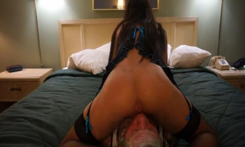 Gas Mummification 60 Farts In His Face part 2/2 Under Goddess Amirha