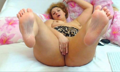 Bigbootymilf Nude Feet And Pussy Fingering