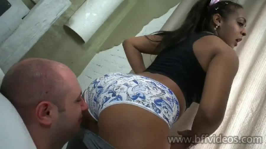 brazil femdom  sniff stinky farts our sweaty legging after gym full version hd